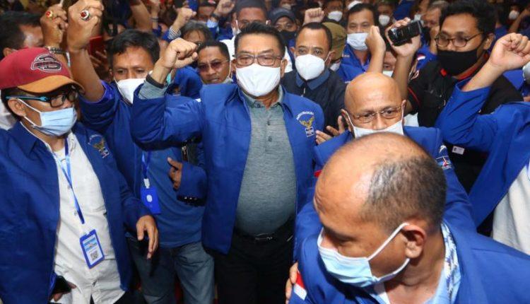 [Ilustrasi] Moeldoko (tengah) di lokasi Kongres Luar Biasa (KLB) Partai Demokrat di The Hill Hotel Sibolangit, Deli Serdang, Sumatera Utara.